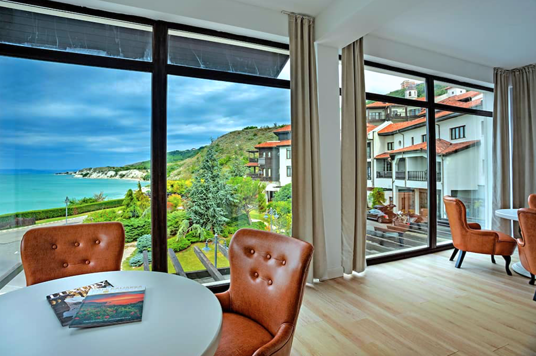 Tharcian Cliffs Golf & Beach Resort - pokój