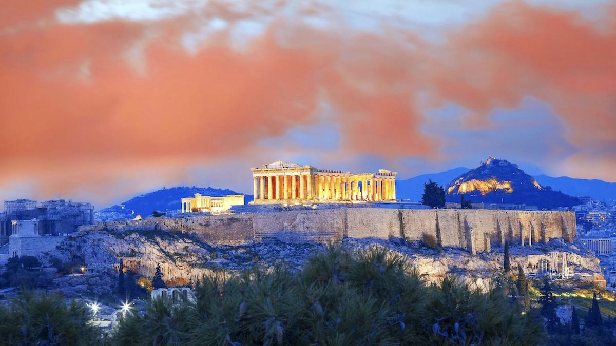 Wzgórze Akropolu o zachodzie słońca